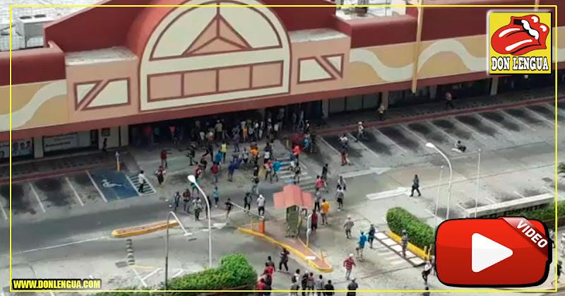 Saquearon el Centro Comercial Ciudad Chinita de Maracaibo- Se llevaron todo