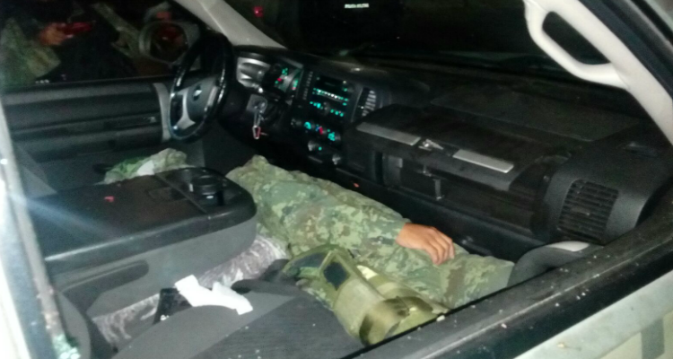 Soldado asesina a teniente tras discutir fracaso en un operativo en valle de chalco.