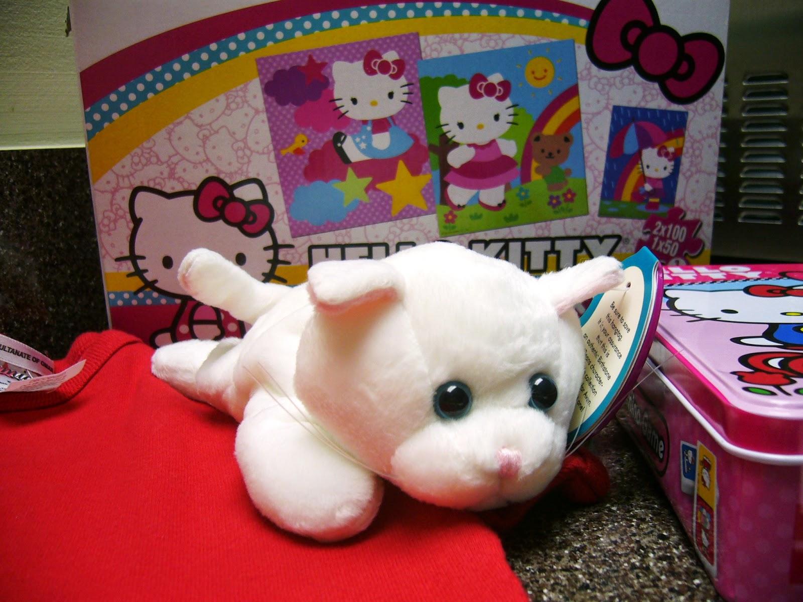 Hello Kitty Themed Operation Christmas Child Shoe Box Gift white kitty