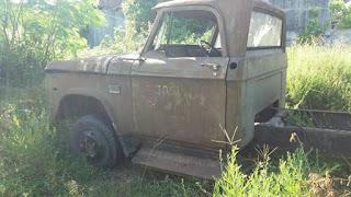 DIJUAL Pickup Dodge mesin transmisi kaki2 ada,bak ga ada surat2 ga ada