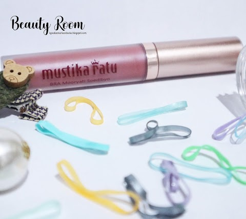[REVIEW] Beauty Queen Series Metallic Matte Lip Cream