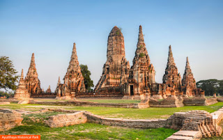 Cover Photo: Ayutthaya Historical Park