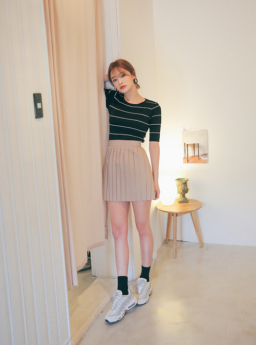 Classic Pleated Mini Skirt