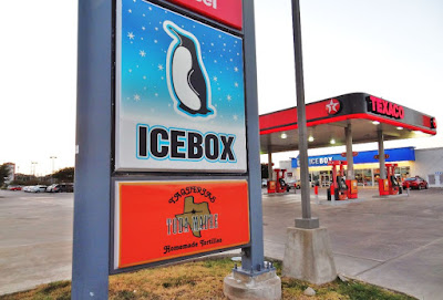 Texaco - Icebox - Taquerias Toda Madres Homemade Tortillas (signage)