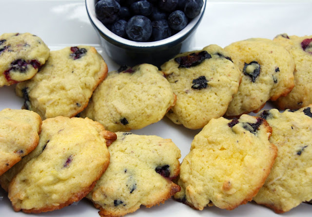 Lemon pudding cookies with almonds and blueberries
