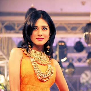 Amrita Rao wearing Beads & Pearls Jewelry