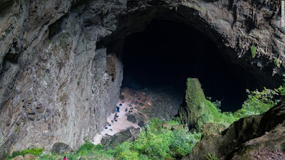 Hang Son Doong The Largest Cave in World in Vietnam