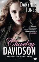 http://lachroniquedespassions.blogspot.fr/2014/09/charley-davidson-tome-3-troisieme-tombe.html