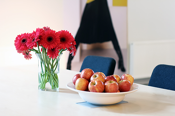 red flowers apples