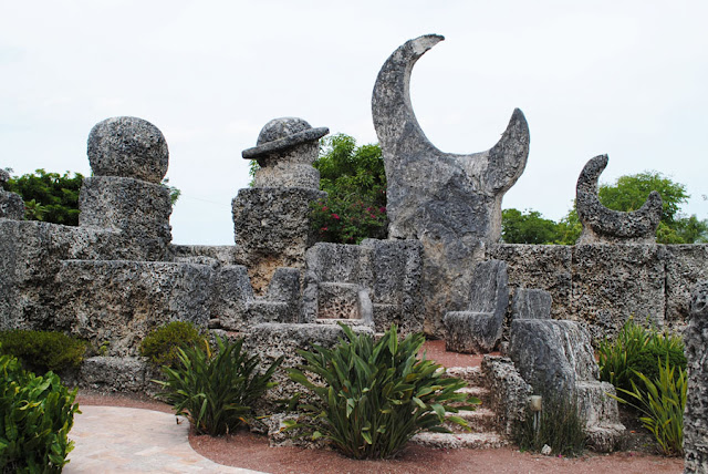 Coral Castle troon