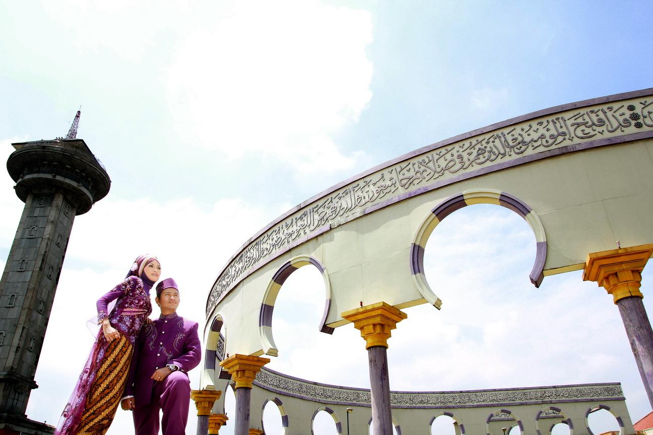 Image result for foto pre wedding di masjid