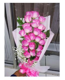 Hand Bouquet Mawar pink