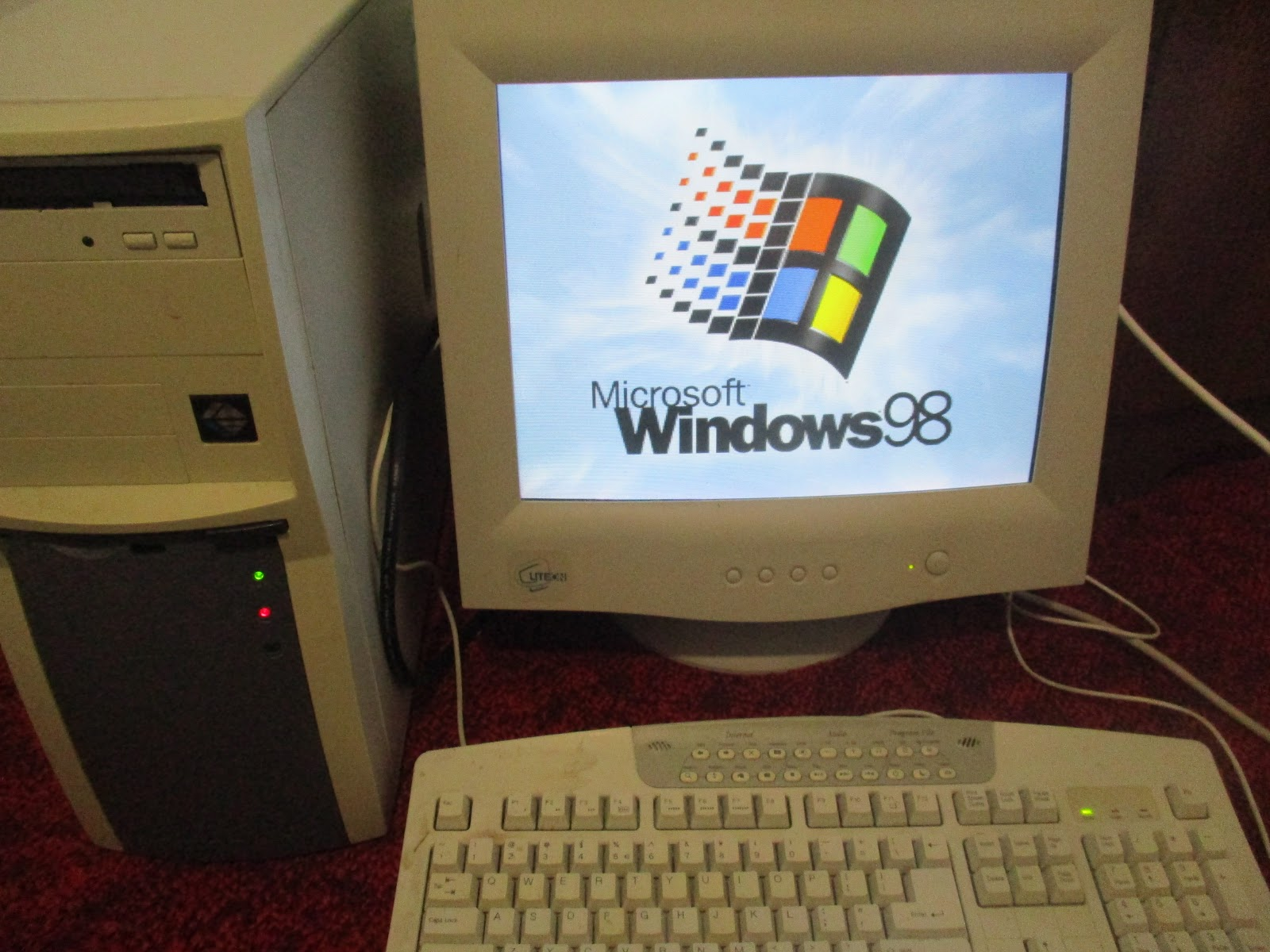 GamerbayCollectables: My Windows 98 SE PC From 1998