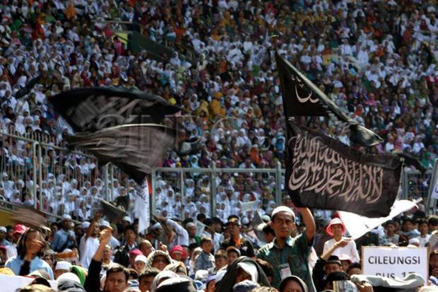 Bubarkan HTI, Pemerintah Terindikasi Fobia Ormas Islam