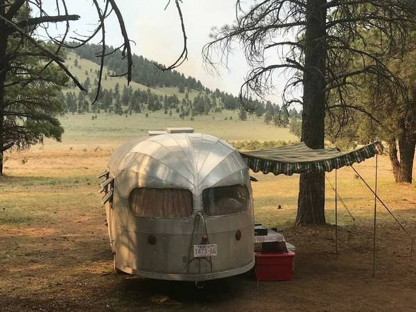 Like Airstream, 1952 Silver Streak Clipper Camper Trailer