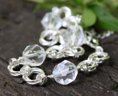 viistehiottu vuorikristalli, hopeinen rannekoru
