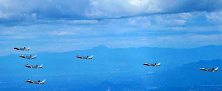 Tujuh Jet Siluman Chengdu J-20 Terbang Bersama
