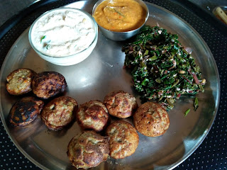 Sorghum Paniyaaram (Sweet & Spicy), Amaranth greens poriyal, Tomato Chutney, Coconut Chutney