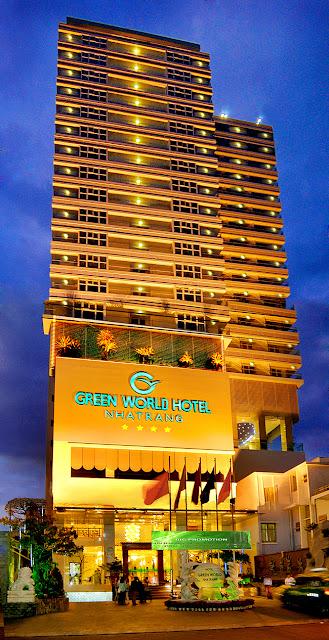 Giá phòng Khách sạn Green World Nha Trang  ở trung tâm