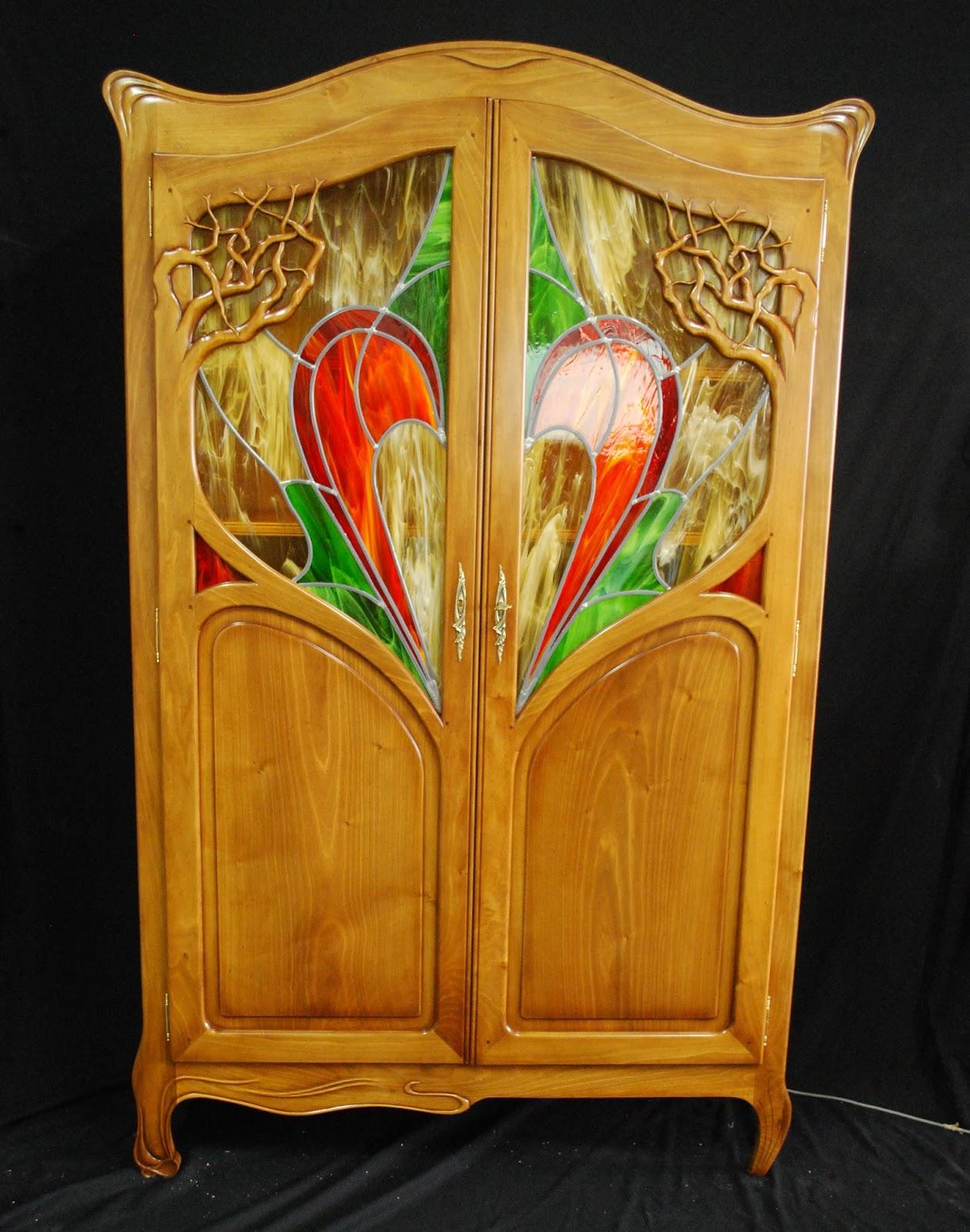 Des id es en verre meuble art nouveau et vitrail au plomb - Meuble art nouveau ...