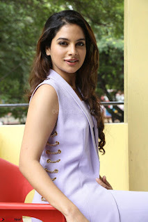 Tanya Hope in Crop top and Trousers Beautiful Pics at her Interview 13 7 2017 ~  Exclusive Celebrities Galleries 127.JPG