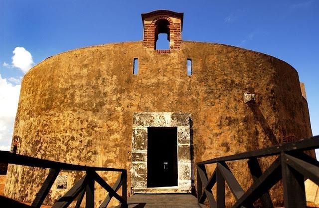 entrada museo san felipe