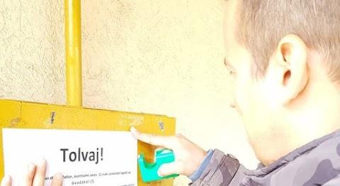 Toroczkai kiplakátolja Ásotthalomban, hogy ki lopott, hogy mindenki megtudja a településen
