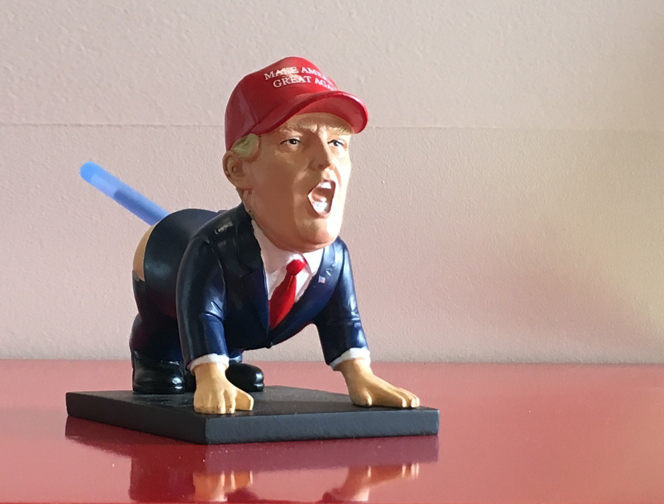 Trump Pen Holder 2 from Right Hand Side