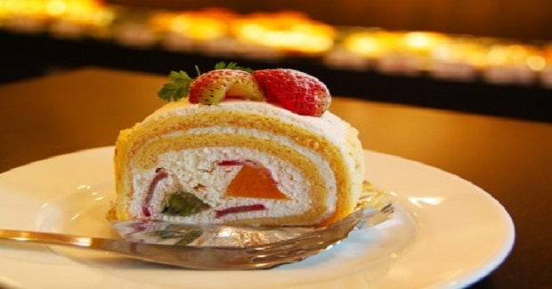 Jelly Strawberry Roll Cake Recipe