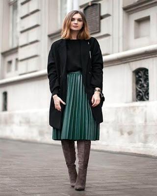 falda midi con lineas verticales verde