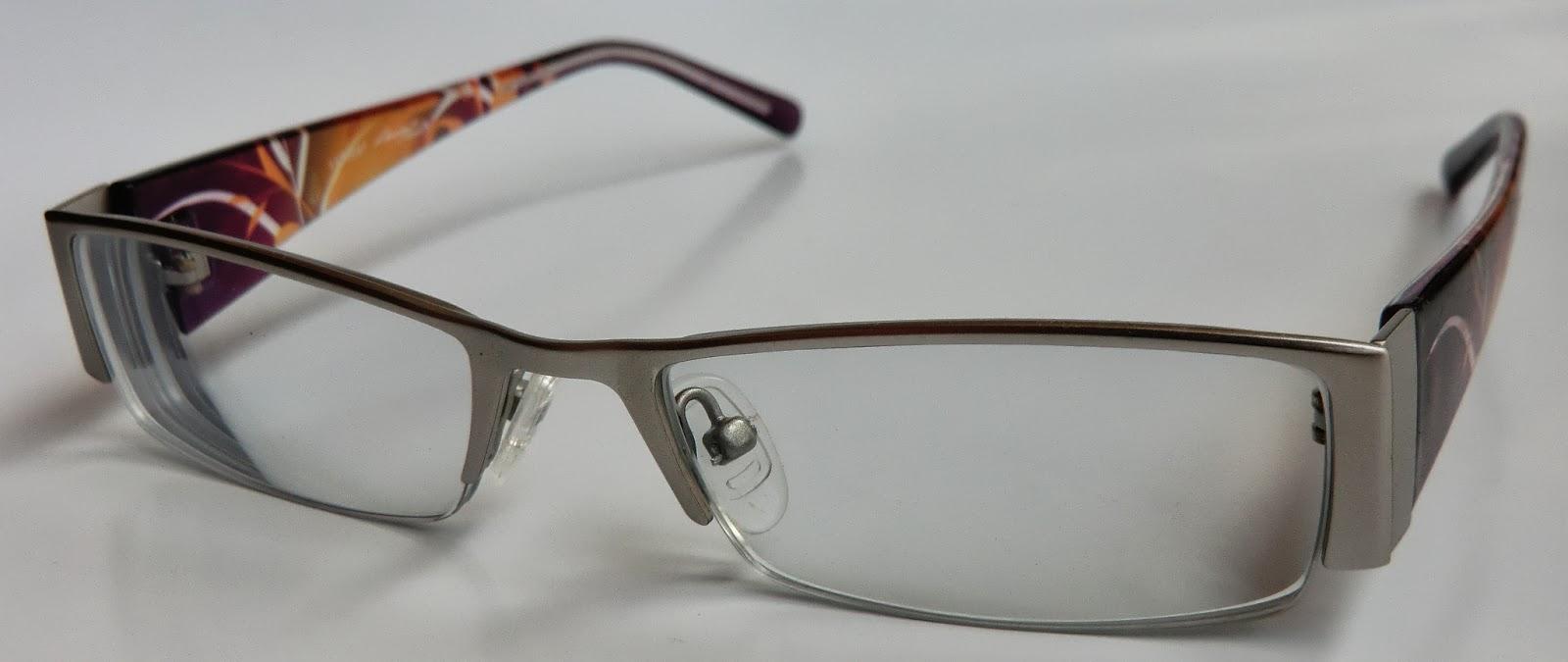 Lenas Sofa: Eine neue Brille von Lensbest