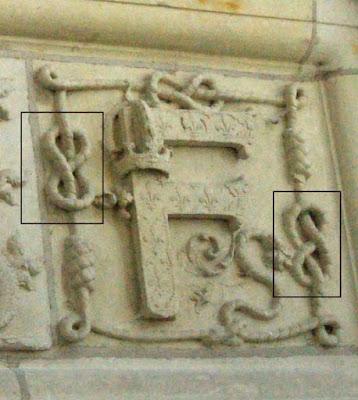 Le F emblématique de François 1er à Chambord.
