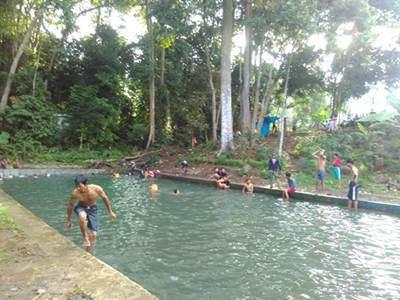 Kolam Renang Peninggalan Belanda di Sungai Langka