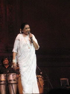 Asha Bhosle age, family, son, date of birth, concert, hit hindi old songs, bengali songs list, singer, marriage, birthday, children, albums, best of, rd burman, new songs, born, hits, latest songs