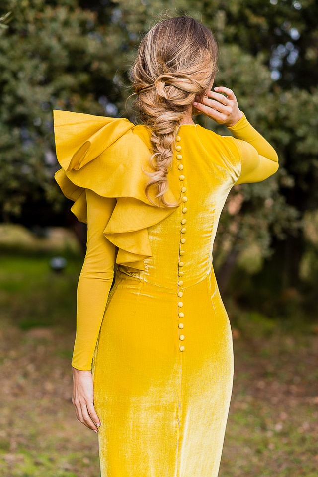 vestido amarillo invitada boda  perfecta blog a todo confetti yellow dress