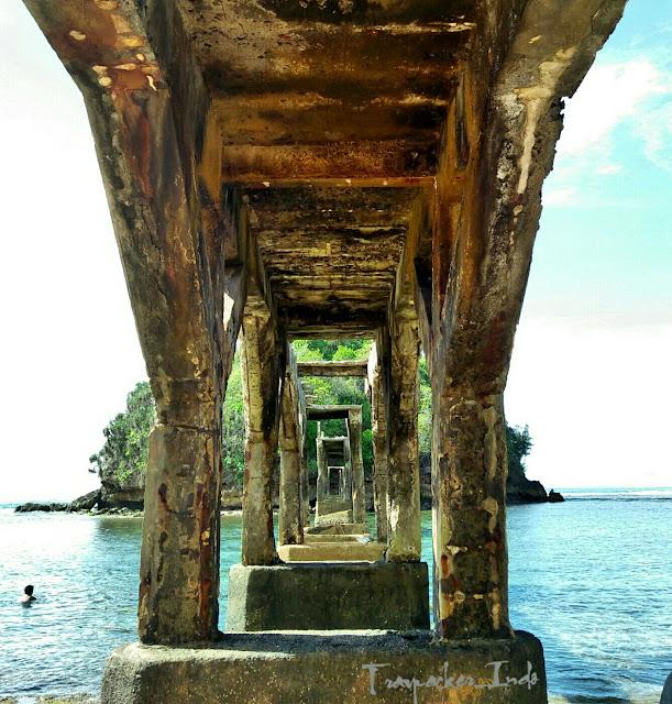 Pantai jembatan panjang kawasan pantai bale kambang