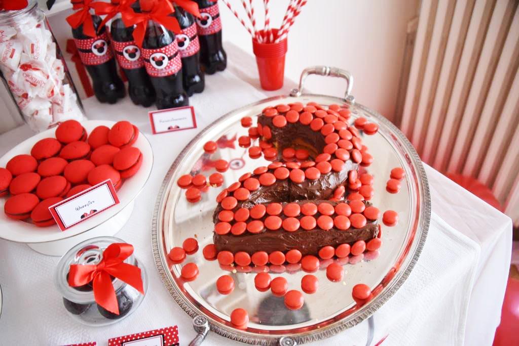 Gâteaui au chocolat en forme de 2