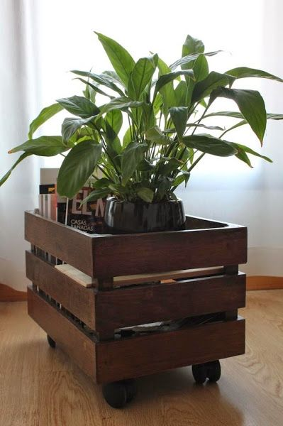 14 timas id ias pr reciclar caixotes decora o e for Como reciclar un escritorio de madera