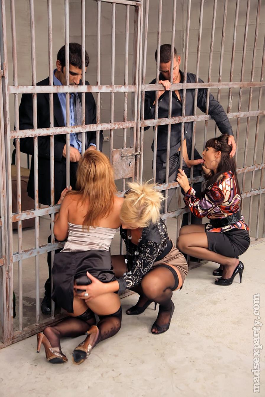 Тюремные оргии