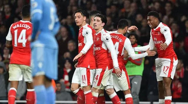 Kalahkan Stoke City 3-1, Arsenal Kudeta Chelsea dari Puncak Klasemen Liga Inggris