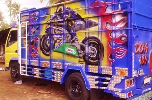 Modifikasi warna bak truk keren dan cerah