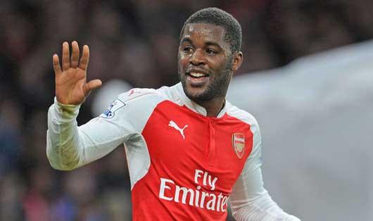 Arsenal đồng loạt chia tay 2 tiền đạo vào giờ chót 2