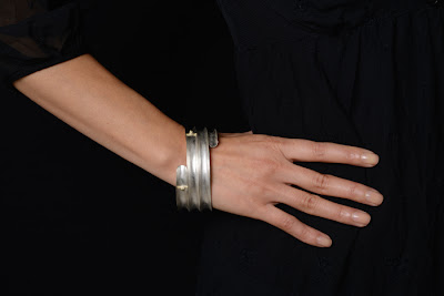 http://www.machidewaard.co.uk/index.html?folder=item&name=concavegoldballbangle