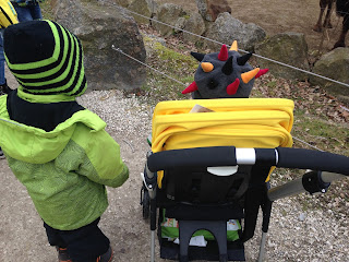 Kinder im Tierpark