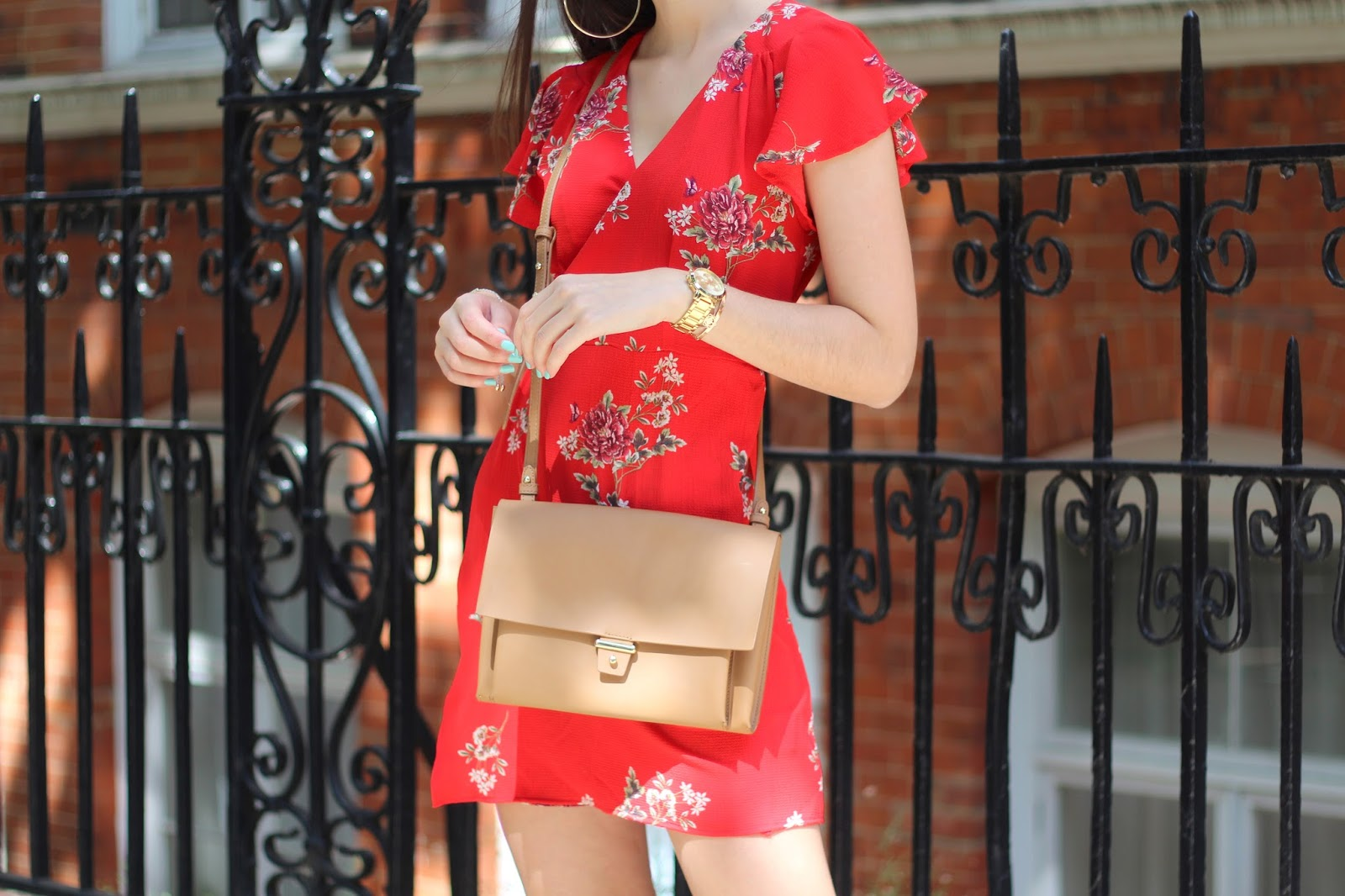 peexo fashion blogger buying a red dress summer