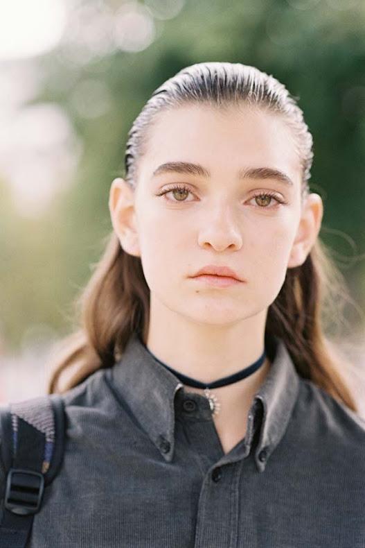 Julia-Ratner-Street-style-at-Paris-Fashion-Week-Spring-Summer-2017