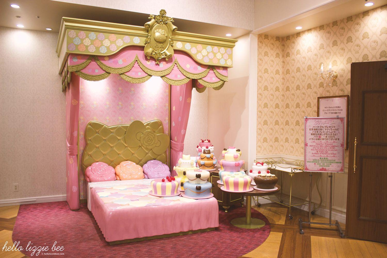 Fabulous lady kitty house