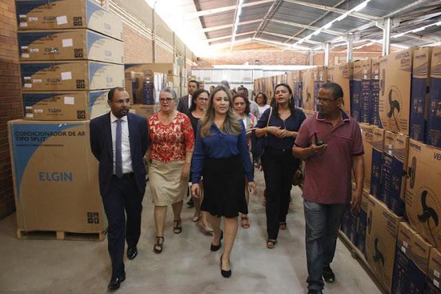 Seduc entrega em almoxarifado reformado R$ 3,8 mil em equipamentos para escolas