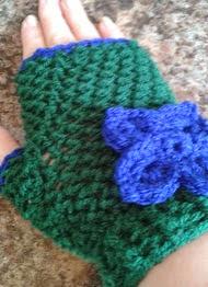 http://www.ravelry.com/patterns/library/carolines-gloves