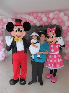 PERSONAJES DE MICKEY Y MINNIE PARA FIESTAS INFANTILES DE NIÑAS Y NIÑOS  EN LA CIUDAD DE MEDELLIN